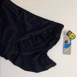 NWT Skirted swimsuit bottoms w/a feminine ruffle